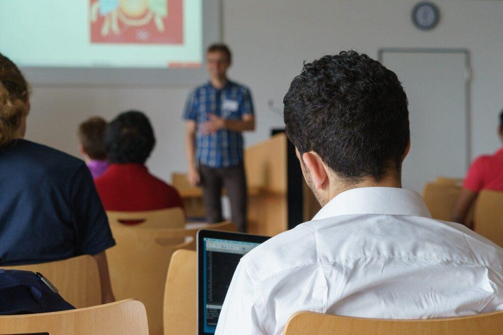 seminar, lecture, study-2654142.jpg